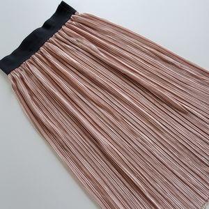 Sensational Collection blush skirt size large